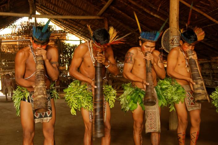 Amérindiens Tupé Amazonie Brésil voyage
